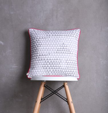 Star Triangle Cotton Cushion cover Grey/Pink 16
